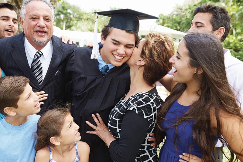 """Dicho de un graduado universitario : """"No recuerdo muy bien a mi padre, pero gracias al seguro de vida, sé que mi padre sí se acordó de mí»."""